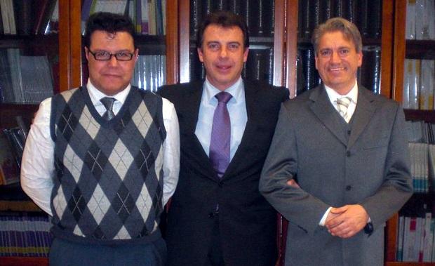 <p> Serafin Cabrera (CPC), Ricardo Garc&iacute;a Garc&iacute;a (Ministerio de Justicia), y Juan Manuel Nombela (CPC). / Actualidad Evang&eacute;lica</p> ,