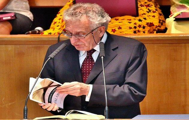 Máximo García en la presentación de su libro / M.Gala,