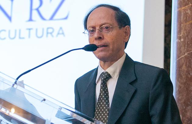 Pablo Martínez Vila, dictando una conferencia en Madrid. / FundaciónRZ,pablo martínez vila