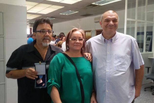 Paco Mata, con la medalla de bronce al mérito penitenciario.,paco mata