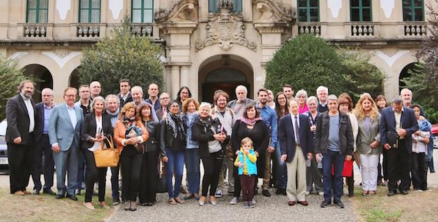Foto de grupo de los participantes del 8º encuentro Adece. / MGala,Adece