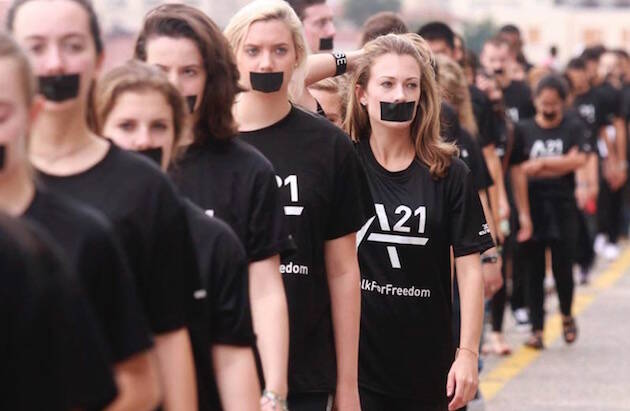Una de las marchas organizadas por A21. Este sábado se convocan en nueve ciudades españolas. / A21,marchas caminando por libertad