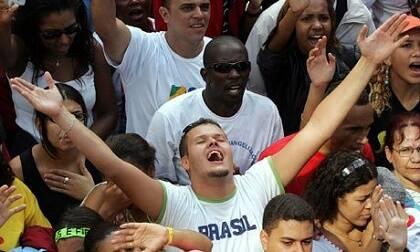 Más de 350.000 personas participaron en la Marcha para Jesús 2016 en Sao Paulo. / The guardian