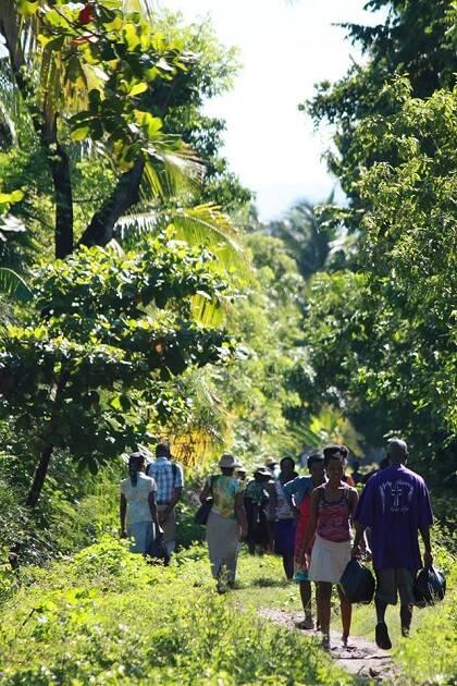 Muchos haitianos expresan su agradecimiento a Dios pese a las circunstancias. / GAiN España