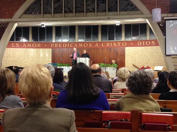 Vishal Mangalwadi, durante su conferencia en la iglesia situada en la calle Verdi (Barcelona). Foto: J.S.,Vishal Mangalwadi