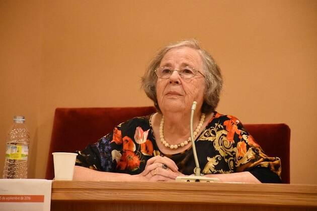 La poeta gallega Helena Villar Janeiro, en el éltimo encuentro de ADECE (fotografía de Héctor Rivas).,Helena Villar Janeiro