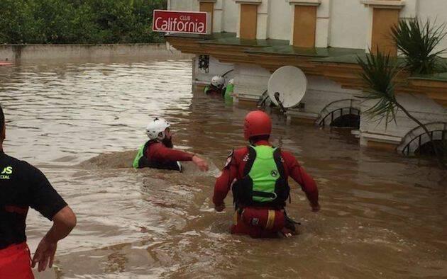 El club de Estepona donde falleció Ionela Olguta tras la inundación del local. / ElEspañol.com,