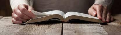Los escritos apostólicos hablan sobre la autoridad de las Escrituras.