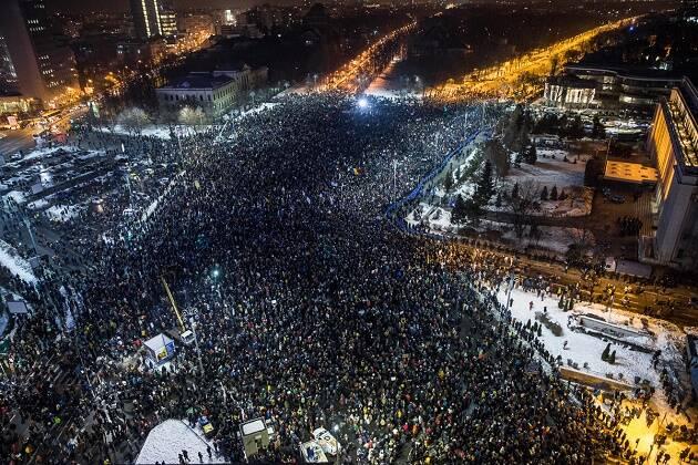 Multitudes se manifestaron en Rumanía el pasado 31 de enero, y las protestas han continuado toda la semana. / I. Moldovan,rumania