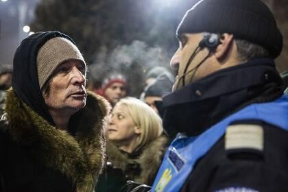 La gente demanda la renuncia de todo el gobierno. / I. Moldovan