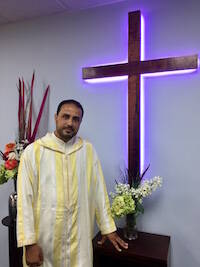 Mustafa se convirtió al cristianismo tras una larga búsqueda espiritual.