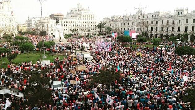 Miles de manifestantes en Lima, el pasado 4 de marzo. / ConMisHijosNoTeMetas.pe,