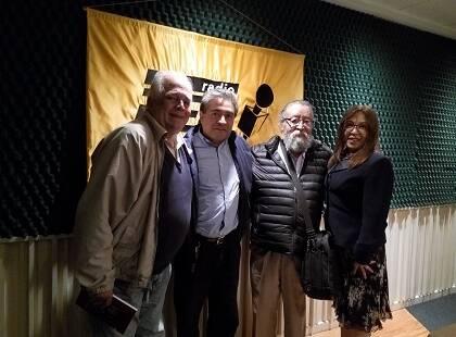 Francisco Prieto, Leopoldo Cervantes-Ortiz, Gonzalo Balderas y Blanca Lolbee, luego de la grabación de un programa sobre los 500 años de la Reforma Protestante de la serie.