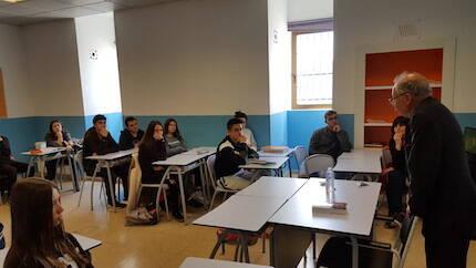 El Dr Brooke en el colegio El Porvenir.