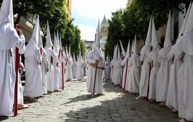 Nazarenos en Andalucía,nazarenos, capirotes