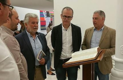 La exposición muestra la importancia de la Biblia para la Reforma Protestante.