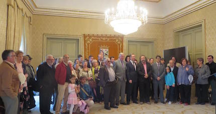 Foto de familia en el Ayuntamiento. / J. Alencar