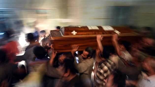 El entierro de las víctimas / Afp Photo, Mohamed El-Shahed,entierro copto, víctimas terrorismo