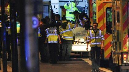 Varias ambulancias han traslado a los 48 heridos, al gunos de gravedad.