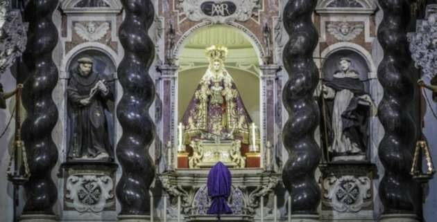 La Patrona, en su retablo de la iglesia de Santo Domingo, en Cádiz,Virgen Rosario, Cádiz