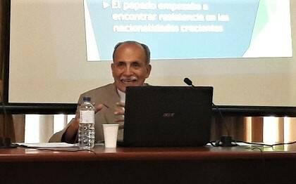 Samuel Escobar, durante su intervención. / J.F.