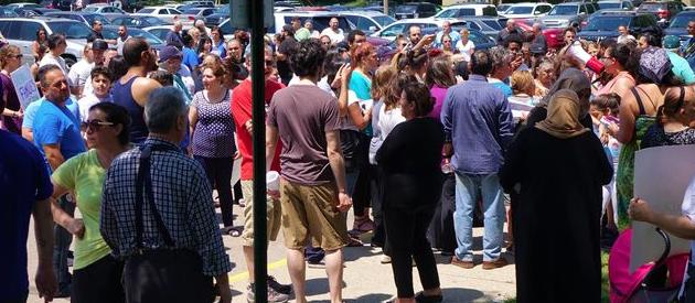 Manifestación en Detroit tras la detención de decenas de inmigrantes iraquíes. ,