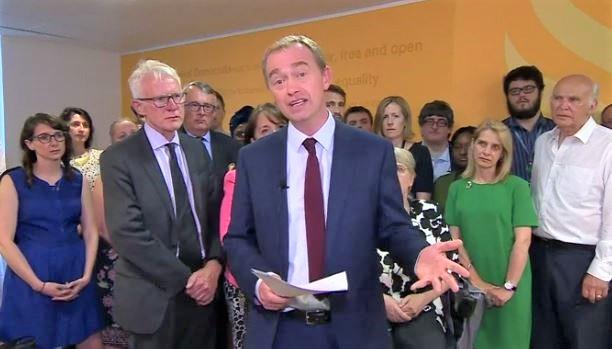 TIm Farron, durante su anuncio de dimisión, el miércoles 14 de junio. / Captura de pantalla, BBC,Tim farron, evangélico, cristiano
