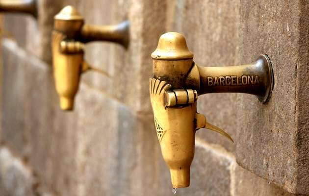 Grifos en Barcelona / Pixabay,grifo agua, calor sed