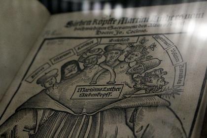 Lutero representado como un monstruo de siete cabezas. Foto: Diana Rodríguez.