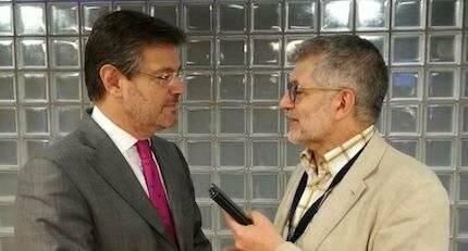 Pedro Tarquis entrevista a Rafael Catalá. / Jorge Fernández