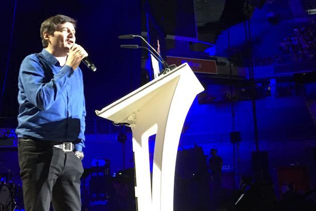 Marcos Vidal, predicando este 15 de julio en el WiZink Center de Madrid. / Carlos Numero,