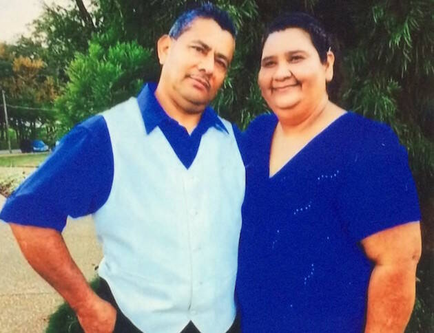 Julio Morán y Anna Escobar, pastores detenidos en espera a ser deportados. / The Atlanta Journal,