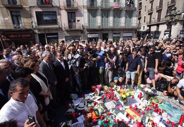 Lugar de recuerdo de las víctimas, en Plaza Cataluña. / Ayuntamiento Barcelona,