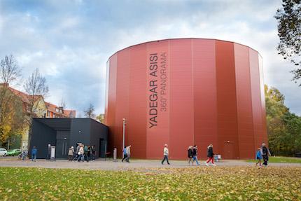 El recinto impacta en medio de la ciudad de Wittenberg. / Tom Schulze, ©asisi