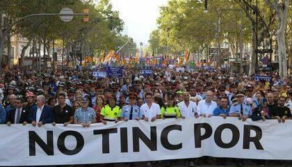 """Una pancarta  con el lema """"No tinc por!"""" (no tengo miedo) ha presidido la manifestación ."""