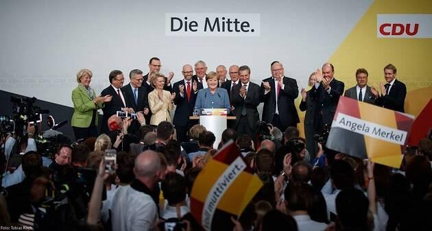 Angela Merkel y su partido, tras el triunfo del domingo. / FB CDU,