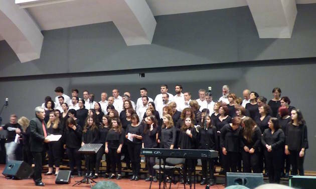 El coro de Marín, participando en el Encontro Luso-Galego.,