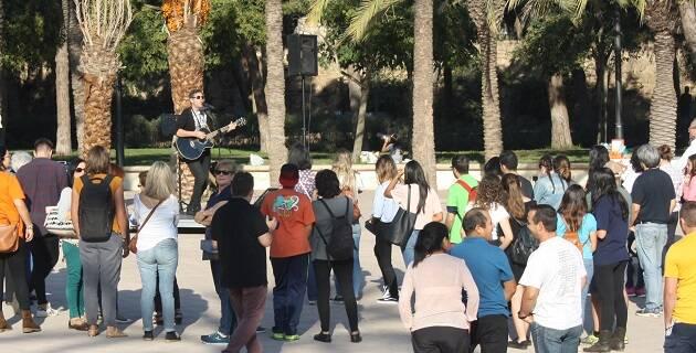 Música en directo durante la Jornada sobre la Reforma en Valencia, 28 de octubre. / Fotos: J. Forster,david bea