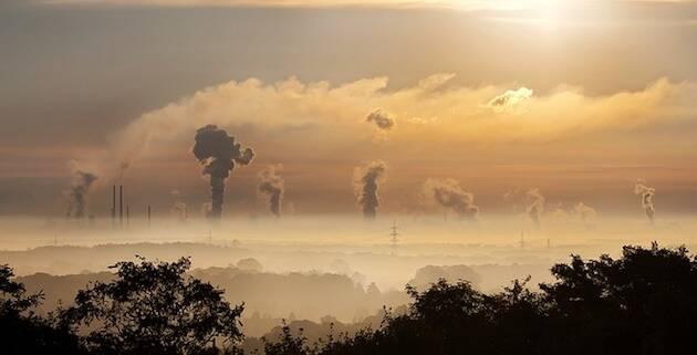 Las emisiones de CO afectan al calentamiento global. En la imagen, fábricas en la cuenca del Ruhr, en Alemania.,