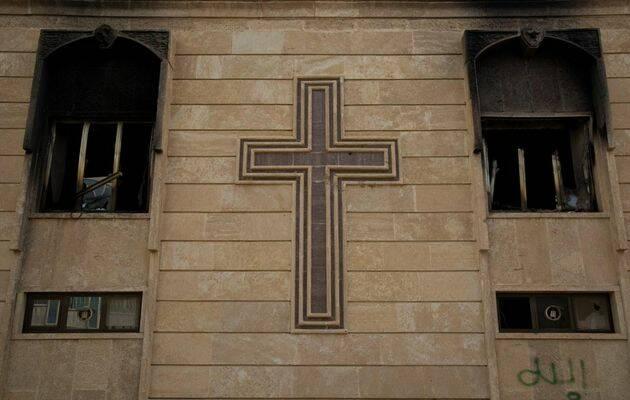 Fachada de una iglesia incendiada por DAESH en Bartella, Irak. Foto: Puertas Abiertas,