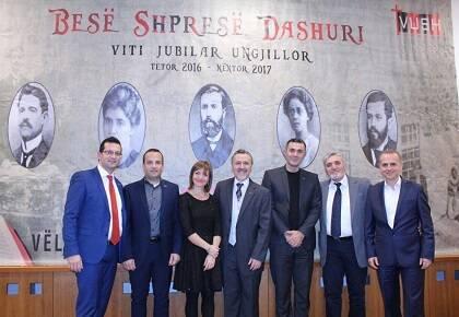 Miembros de la Alianza Evangélica Albanesa.