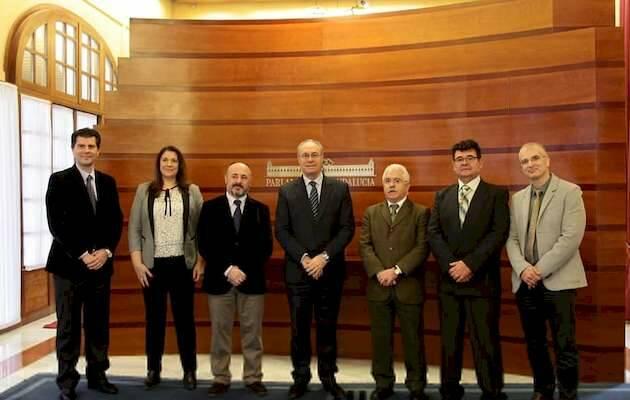 La foto oficial del encuentro / Parlamento de Andalucía,CEPC, CEA