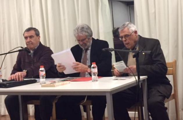 Julio Pérez y Roberto Velert junto a Pedro Puigvert, en el acto. / E.Pradales,