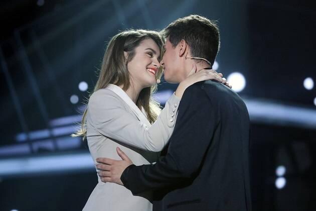 Amaia y Alfred, durante su actuación anoche. / RTVE,