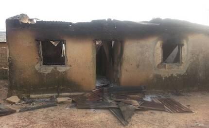 Algunas de las comunidades atacadas habían reparado recientemente sus casas, después de sufrir ataques en octubre de 2017. / WWM