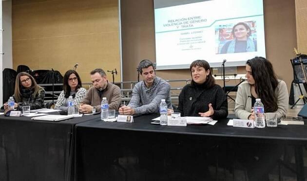 Mesa redonda sobre explotación sexual durante la jornada contra la trata organizada en Valencia. / Red contra la trata Valencia,