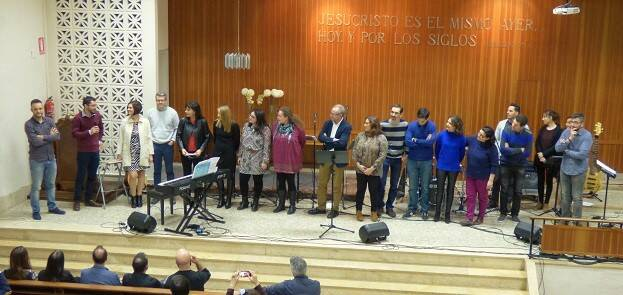 Algunos de los autores que han participado en el libro, durante su presentación en Valencia el pasado 3 de marzo. / Foto: Estrella Cardona,