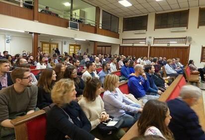 Público asistente a la presentación-concierto. / E. Cardona