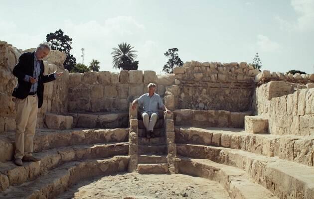 Briggs y Wagner en las ruinas de la escuela de Alejandría, donde estudió el filósofo cristiano Filópono.,