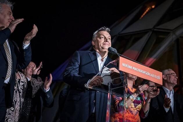 Viktor Orbán celebra su victoria. / FB Viktor Orbán,